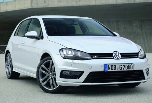 The front end of the 2014 Volkswagen Golf R-Line